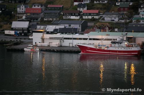 Stakkavík og Klakkur 31.10.2019 07-41-20 (1 of 1)